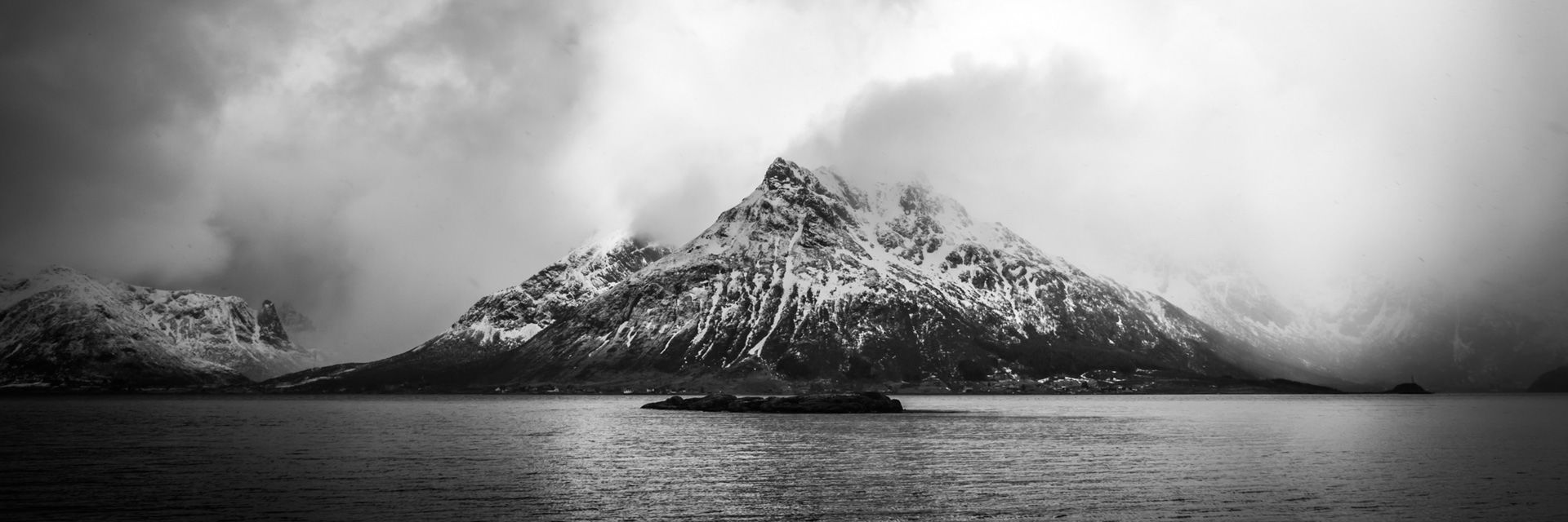 Lofoten Skitouren In Norwegen Am Meer